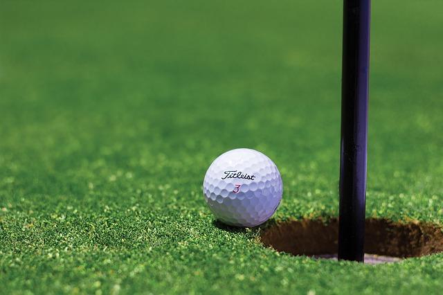 Expédier votre équipement de golf par colis Sendiroo